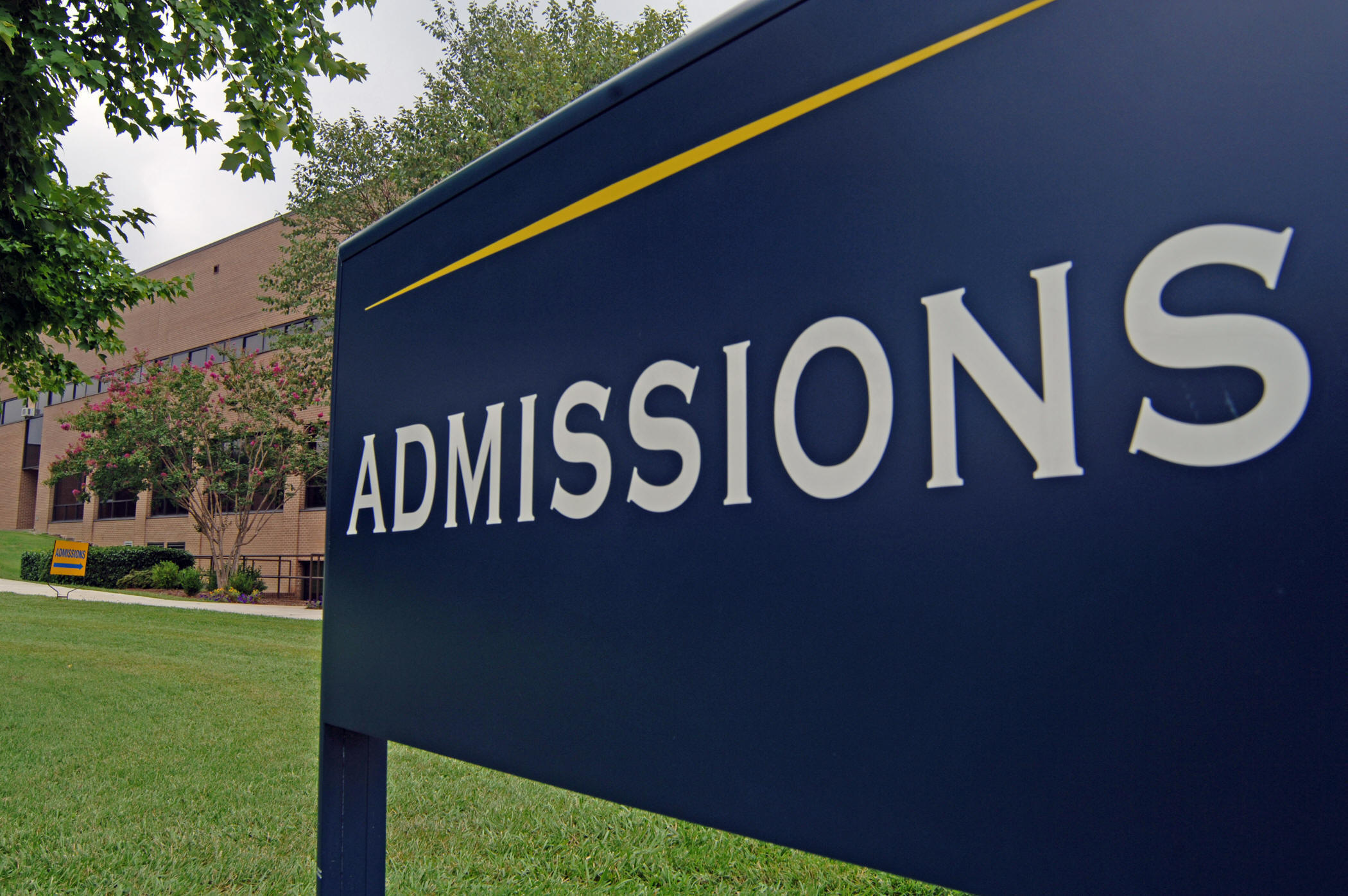Nine College Admissions Officers Share the Things They Never Tell Applicants